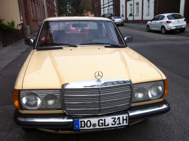 Mercedes crèmefarben in Dortmund
