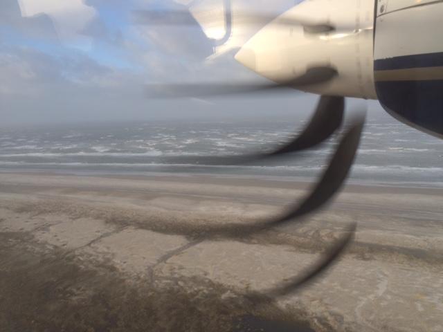 Landeanflug auf Juist mit Dünen